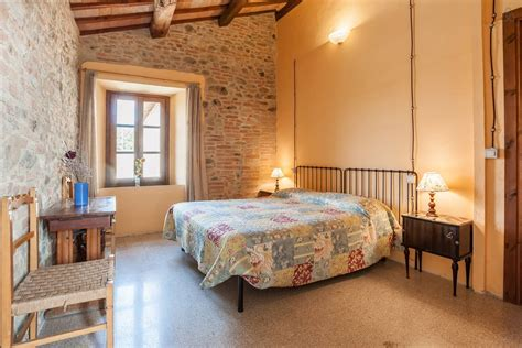 perugia farmhouse rooms and apartment at the farmhouse b b hostel b b rooms dorms tents