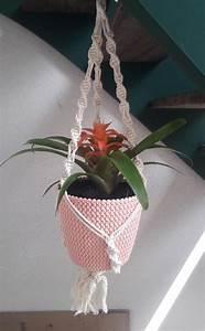 Suspension Pour Plante Interieur : suspension en macram pour plante d 39 int rieur disponible sur commande d 39 autres mod les sur ma ~ Teatrodelosmanantiales.com Idées de Décoration