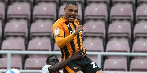 Hull City 'hold option' to keep 12-goal striker for ...