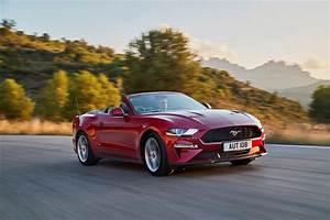 2020 Ford Mustang Convertible Performance and MPG | CarIndigo.com