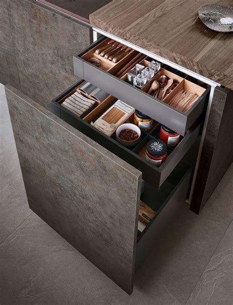 divisori cassetti cucina cassetti cassettoni cestoni la praticit 224 in cucina