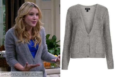Season 3 Episode 18 Lennox's Grey Fluffy Cardigan