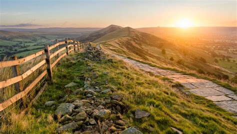 Peak District Travel Guide | Visitor Guide to the Peak ...