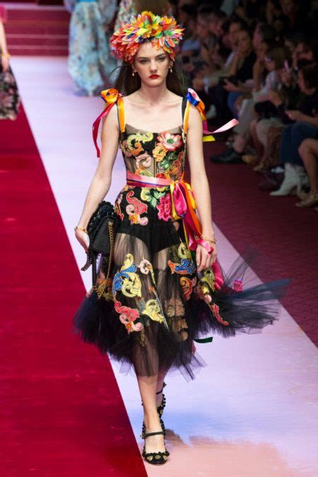 Dolce And Gabbana 2018 Spring Summer Runway Fashion Gone