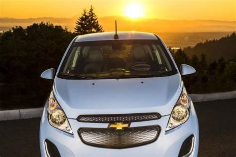 Chevrolet Spark Hd Picture by Chevrolet Spark Ev 2015 Hd Pictures Automobilesreview