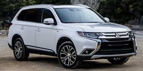 2018  Mitsubishi  Outlander  Vehicles On Display