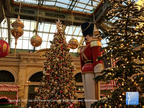 christmas  las vegas top ten travel blog