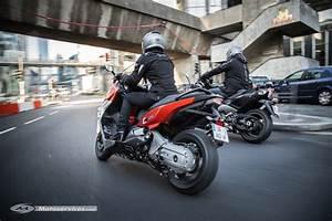 Bmw C650 Sport : duel bmw c 650 sport yamaha t max 530 2015 ~ Dallasstarsshop.com Idées de Décoration