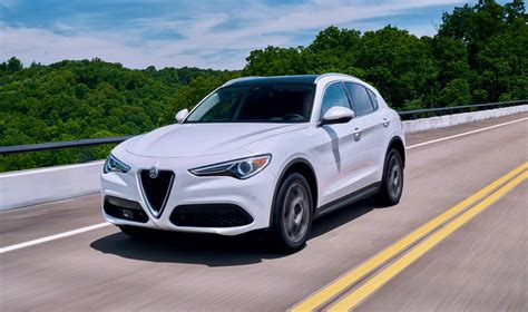2019 Alfa Romeo Stelvia Coupe : 2019 Alfa Romeo Stelvio Gets A Cheaper Rwd Version