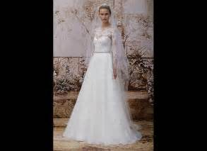 winter wedding gowns 40 winter wedding gowns so gorgeous you won 39 t even mind the cold huffpost