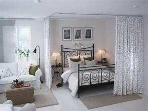 Wie Schlafzimmer Einrichten : offener wohnplan kleines schlafzimmer einrichten raumtrenner pinterest ~ Sanjose-hotels-ca.com Haus und Dekorationen