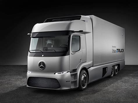 Maybe you would like to learn more about one of these? Mercedes-Benz Unveils Electric Truck Concept, It's Made ...