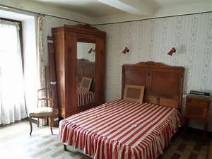 Chambre coucher ancienne complete clasf for Chambre a coucher adulte avec matelas maine et loire