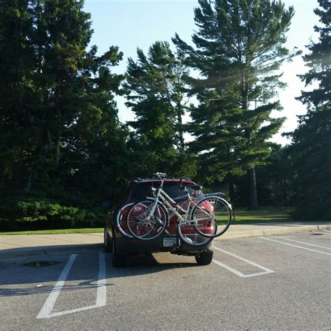 bike rack   suv  car   choose  bike