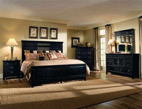 Bedroom Decorating Ideas With Black Furniture by Bedroom With Sand Y Walls With Black Furniture