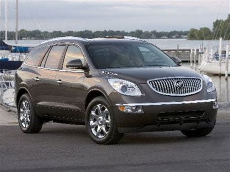 gm recalls crossovers  worry liftgates  fall