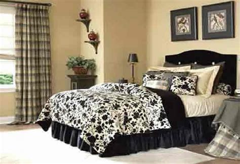 Black White And Silver Bedroom Ideas [peenmedia]