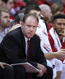 Badgers men's basketball: Deep coaching background has ...