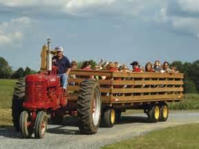 Tractor Hayride Wagon