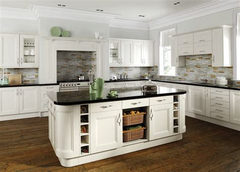 Country Kitchen Off White