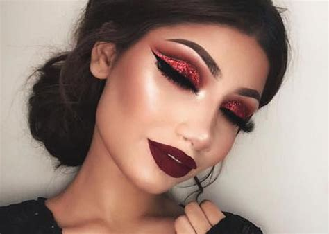 Cut Crease Makeup Is Here To Make A Statement Fashionisers