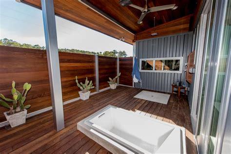 living blog contemporary container home