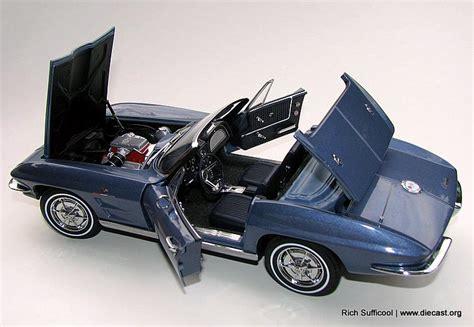 corvette convertible  ed   scale diecast