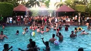 Vamos A La Playa (Pool Party) New Delhi - YouTube
