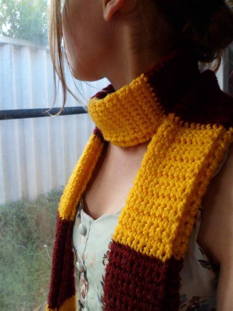 gryffindor scarf  stripy scarf crochet  cut