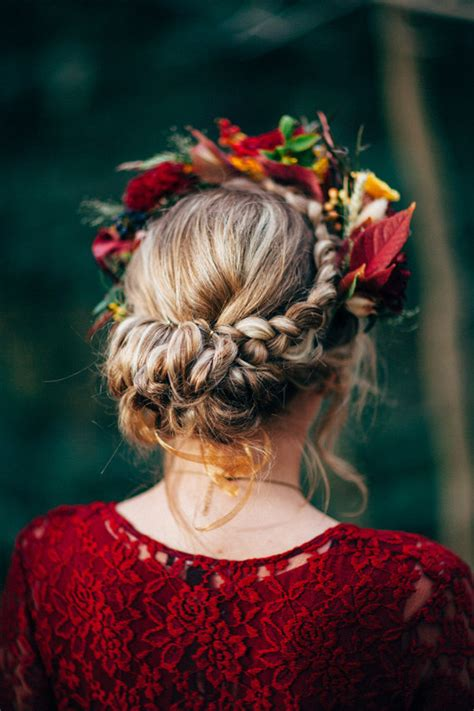 19 Gorgeous Floral Crowns For Fall Weddings