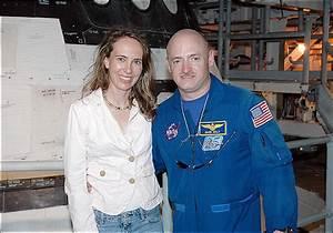 BlogPost - Update: Mark Kelly, Giffords's husband, talks ...