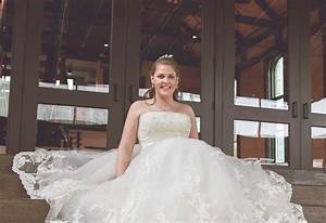 goodwill39s wedding gala set for march 18 clarksvillenowcom With goodwill wedding dresses