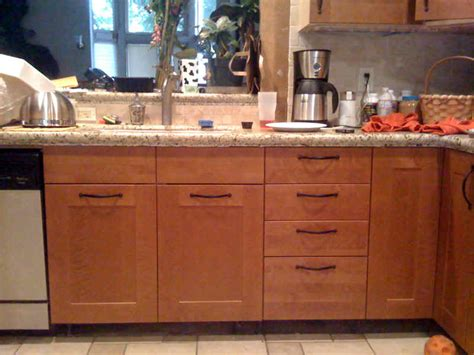 Kitchen Cabinet Hardware Placement Ideas by Safety Level And Kitchen Cabinet Hardware Placement