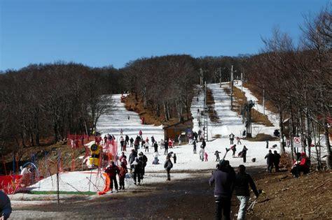station de ski mont aigoual station de ski de prat peyrot depuis le mont aigoual aveyron