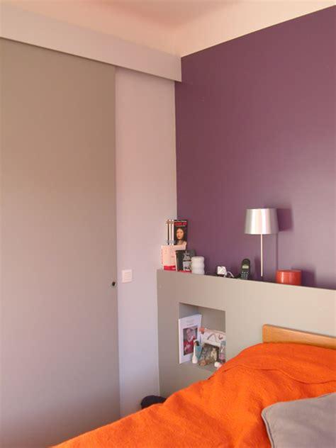 chambre gris et aubergine chambre violet tulipe si tu peux mettre une photo