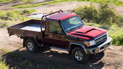 toyota landcruiser  series  review carsguide