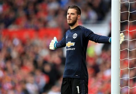 De gea finally agrees new deal. Manchester United's David De Gea To Top List Of The 5 Highest Paid Goalkeepers In World Football