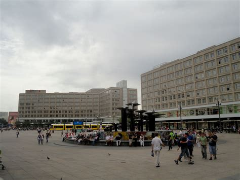 berlin alexanderplatz fernsehturm world clock marx