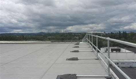 roof edge protection for arcelormittal kee safety uk
