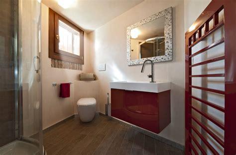 specchi arredo bagno elementi d arredo essenziali gli specchi per il bagno