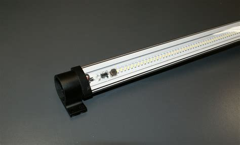 ds series reach in door led light fixtures 1 source