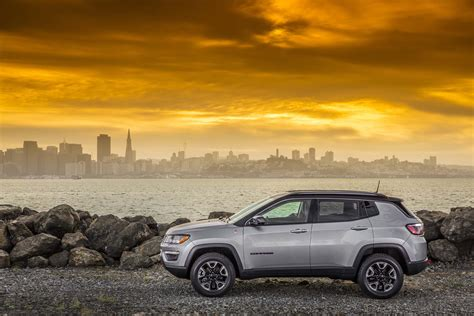 jeep compass side 2017 jeep compass reviews and rating motor trend