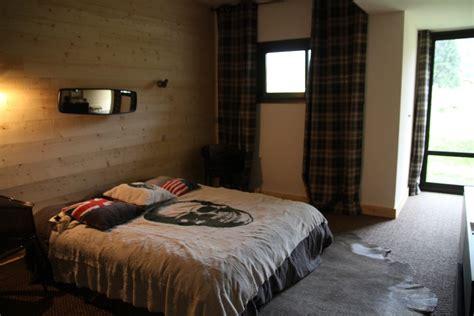 chambre a coucher moderne en bois chambre complete en bois moderne