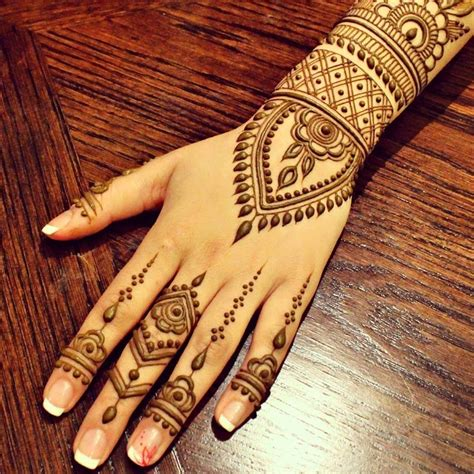 simple mehndi designs  hand mehndi designs
