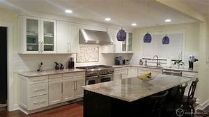 White kitchen cabinets contemporary kitchen for What kind of paint to use on kitchen cabinets for houzz wall art