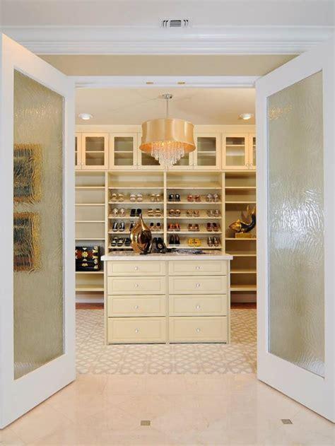walk in wardrobe door ideas best walk in closet ideas to copy