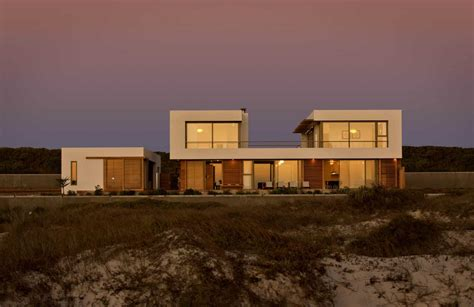 beach house  reconfigurable wood panels modern house