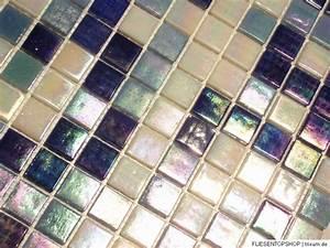 Mosaik Fliesen Blau : glasmosaik fliesen mosaik perlumutt effekt blau wei ~ Michelbontemps.com Haus und Dekorationen