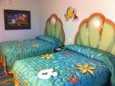 Little Mermaid Bedroom Decor by Photo Tour Of Standard Little Mermaid Rooms At Disney S