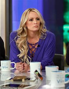 Stormy Daniels shows sketch of man she says threatened her ...